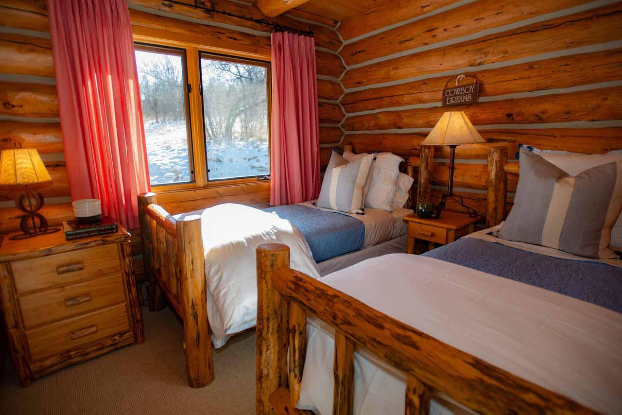 Columbine-small-bedroom
