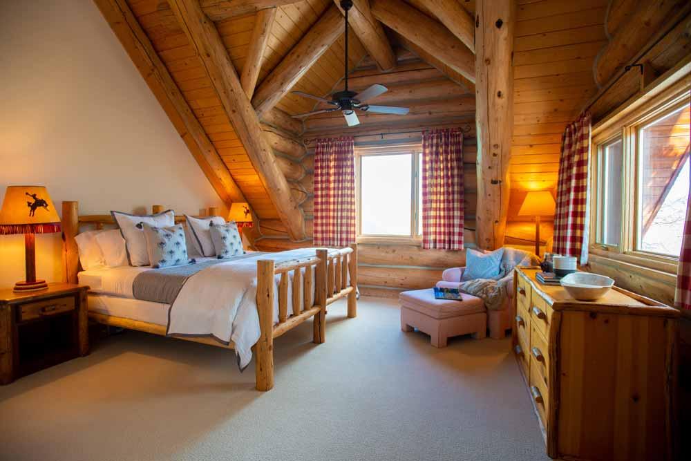 Main-house-ashley-bedroom