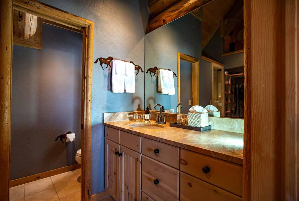 Main-house-lacey-bathroom