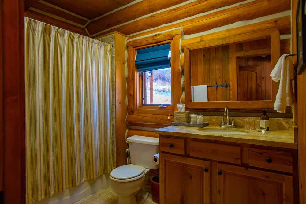 cook-cabin-bath