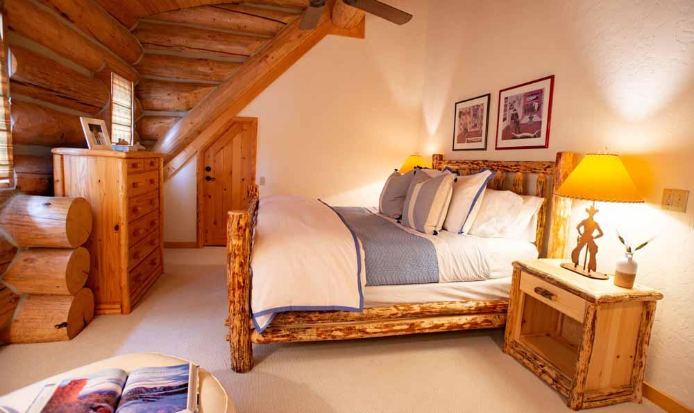 main-house-jaja-bedroom
