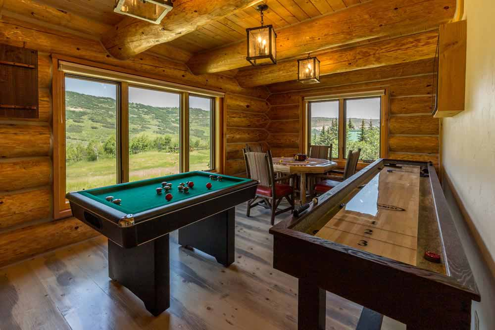 middle-creek-ranch-lodge-game-room