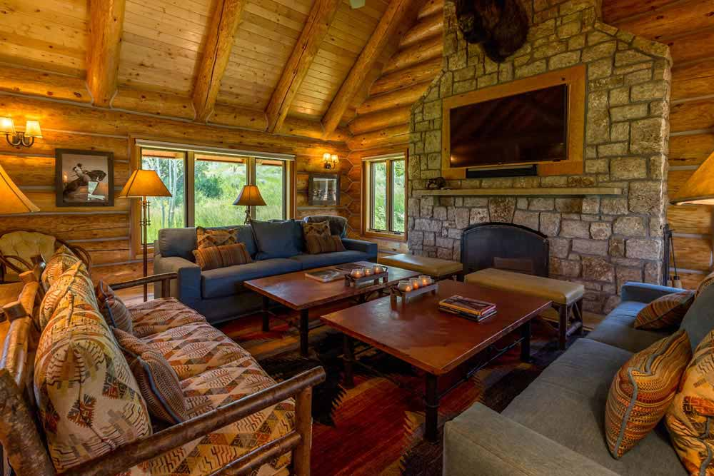 middle-creek-ranch-lodge-great-room
