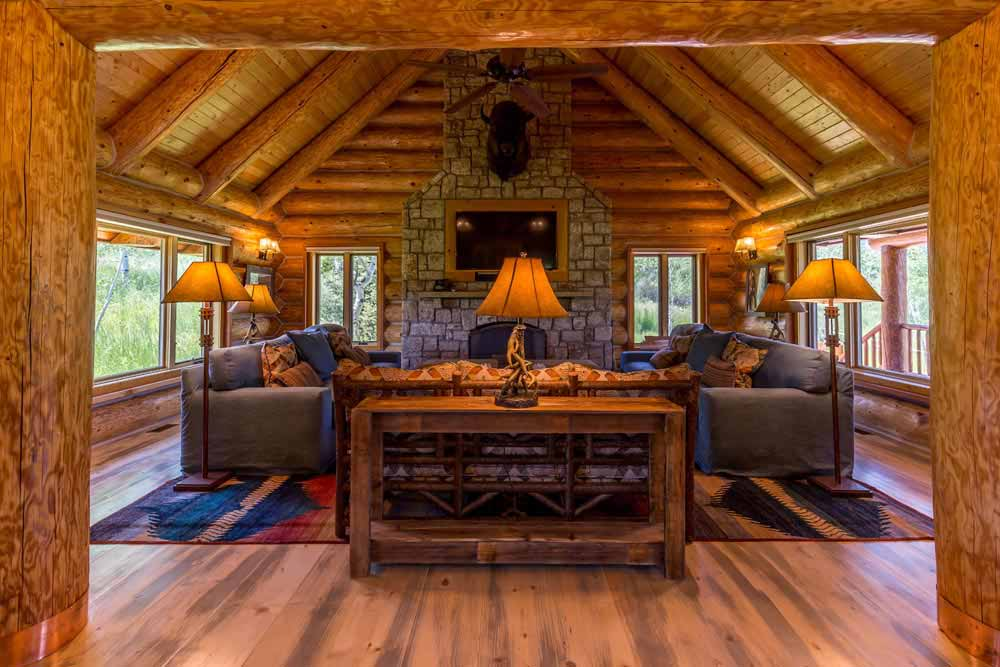 middle-creek-ranch-lodge-great-room4