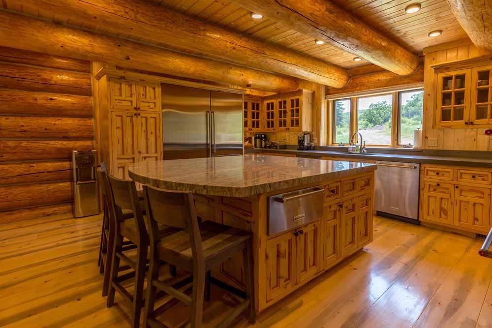 middle-creek-ranch-lodge-kitchen