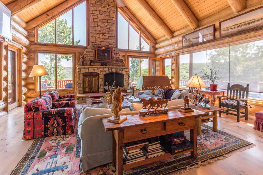 middle-creek-ranch-main-house-great-room2